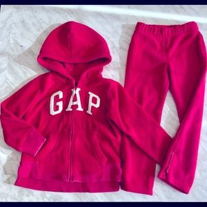 Girls Gap Fleece Sweater Pants Suit Size 4-5 yrs